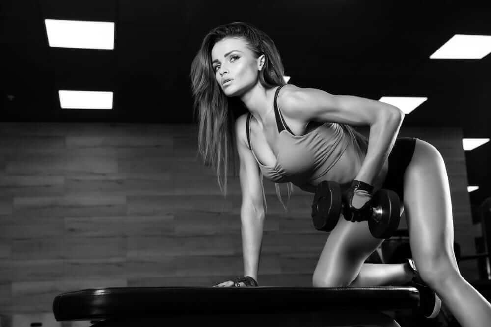 упражнения в тренажерном зале для девушек